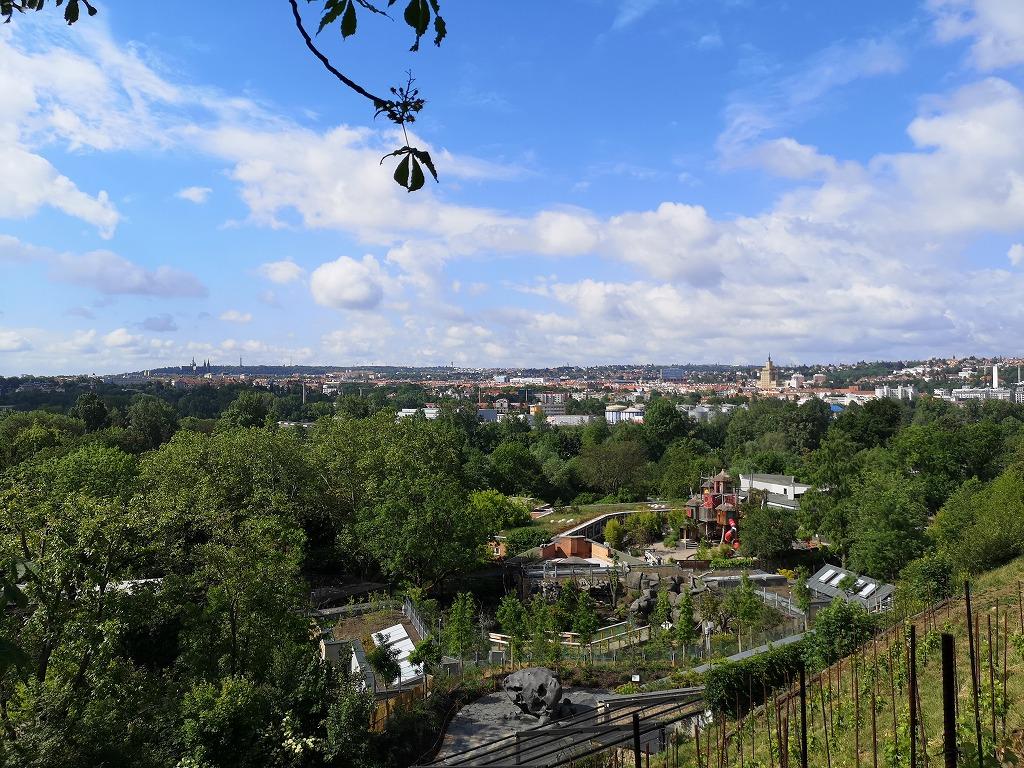 プラハ動物園の高台から望むプラハ市内