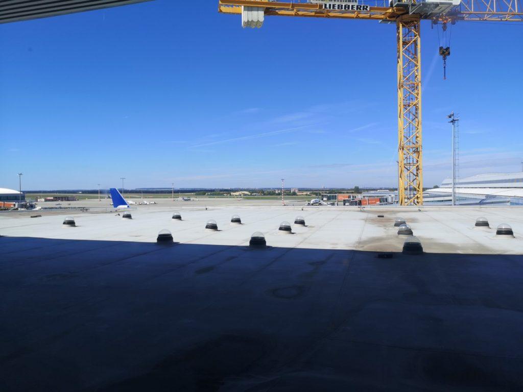 プラハ空港滑走路