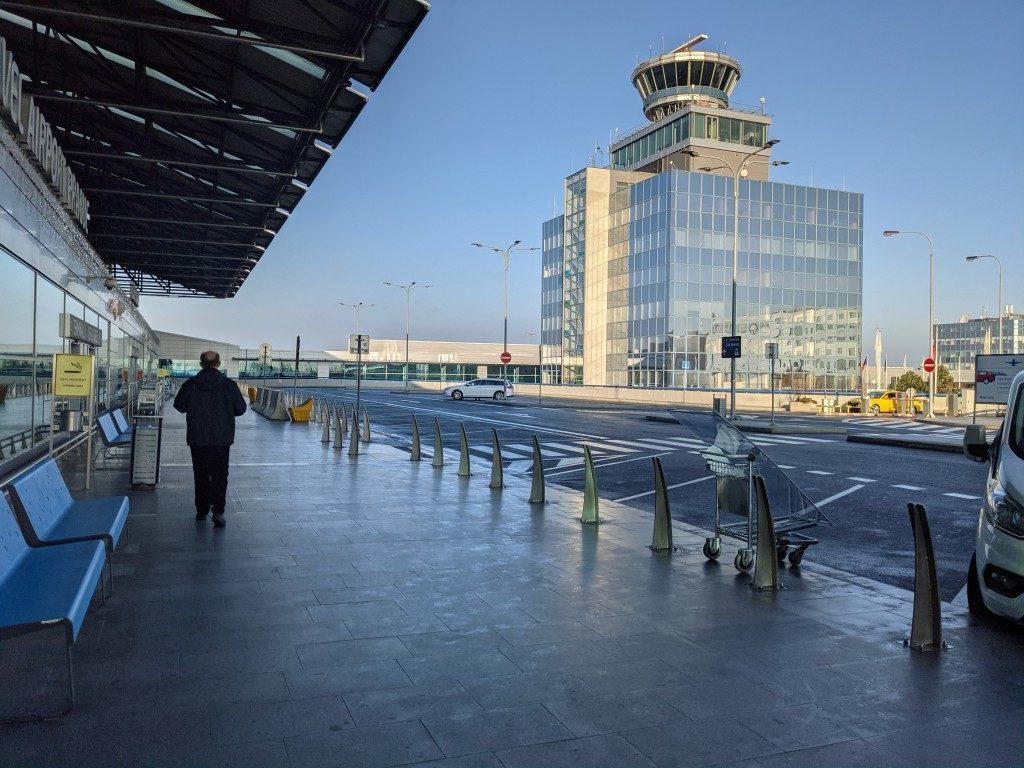 プラハ空港_乗り場